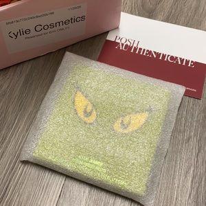 🎉HP🎉KYLIExGRINCH Eyeshadow Palette•NIP/Authentic